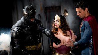 Batman Vs. Superman XXX: An Axel Braun Parody (2016)